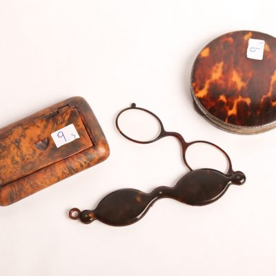 9. Ladies' powder case.  Tortoise  shell and silver case.  With   similiar folding glasses. And  snuff box.  Burled walnut with  hinged lid.  Probably English.   Late 19th century.